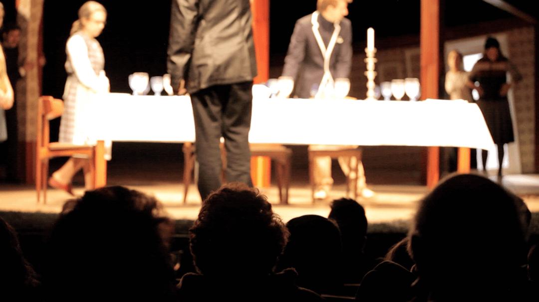 o publico vai ao teatro documentario 2
